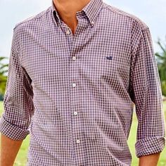 Get your hands on Southern Marsh button downs! Check out our selection in store or online now! Link in bio! . . . #southernmarsh #mens #menswear #mensfashion #prep #preppy #preppyfashion #preppystyle #brothersprep #brosoprep #shopbrothers #shoplafayette