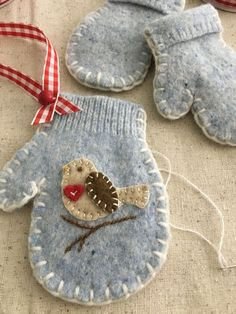 Little Christmas Robin - Little Christmas Robin Upcycled wool mitten ornament Christmas Ornaments To Make, Christmas Sewing, Felt Ornaments, Felt Crafts, Handmade Christmas, Holiday Crafts, Christmas Stockings, Christmas Crafts, Felt Embroidery
