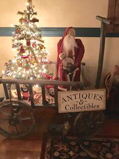 Love my Arnett Santas ! Christmas Yarn Wreaths, Christmas Porch, Prim Christmas, Simple Christmas, Vintage Christmas, Christmas Holidays, Christmas Crafts, Spring Wreaths, Father Christmas