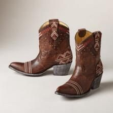 ALEXA BOOTS -- Yippee Ki Yay by Old Gringo brings you these saucy kicks with a penchant for living life to the fullest. Artfully embroidered and distressed leather. Whole and half sizes 6 to heel. These are running size smaller. Cowgirl Boots, Western Boots, Boot Scootin Boogie, Mexico Fashion, Old Gringo Boots, Cowboy Outfits, Unique Clothes For Women, Cool Boots, Shoes Outlet