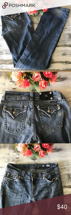 """Miss Me jeans sz 29 light washed distressed 42.5"""" Length  32"""" inseam Miss Me Jeans Boot Cut"""