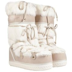 Preowned Salvatore Ferragamo Moon Snow Winter Fur Boots (16,020 MXN) ❤ liked on Polyvore featuring shoes, boots, white, salvatore ferragamo boots, pull on boots, white boots, laced boots and slip on boots