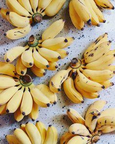 New fruit photography banana veggies 53 Ideas New Fruit, Fruit And Veg, Fruits And Vegetables, Fresh Fruit, Mango Fruit, Bananas, Manger Healthy, Agriculture Bio, Cooking