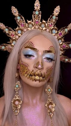 WOW!! What an Amazing, Gorgeous, Glamorous, and Creative Sugar Skull Halloween look Ever!!  ♕♡✧♡♕ #LoveIt  #BeyondBeautiful Halloween Chic, Amazing Halloween Makeup, Halloween Kostüm, Halloween Face Makeup, Halloween Costumes, Goddess Halloween Costume, Sugar Skull Halloween, Halloween Inspo, Mode Inspiration