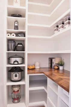 See my DIY, IKEA Hack walk in butler's pantry complete with a butcher block countertop! Its got so much storage for all of my groceries! #kiychenorganize #diykitchenorganization