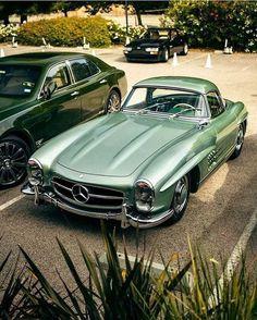Mercedes Benz 300 Sl, Carros Mercedes Benz, Mercedes 300sl, Bmw Autos, Pretty Cars, Cute Cars, Old Vintage Cars, Old Cars, Vintage Sports Cars