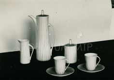 """Krokus"" na ekspozycji w trakcie XXXI Międzynarodowych Targów Poznańskich 1962 r ""Krokus"" coffee set, here at display during XXXIst Poznan World Fair in 1962. Mid Century Design, Teak, Tea Party, Mid-century Modern, Art Deco, Ceramics, Glass, Porcelain Ceramics, Ceramica"