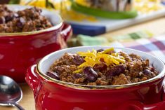 Our Italian-Style Chili Pot is always a welcome recipe, especially during the colder months. It's so versatile you can serve it up in many ways. Korma, Biryani, Chili Recipes, Soup Recipes, Easy Cooking, Cooking Recipes, Sausage Chili, Chuck Roast Recipes, Chili Soup