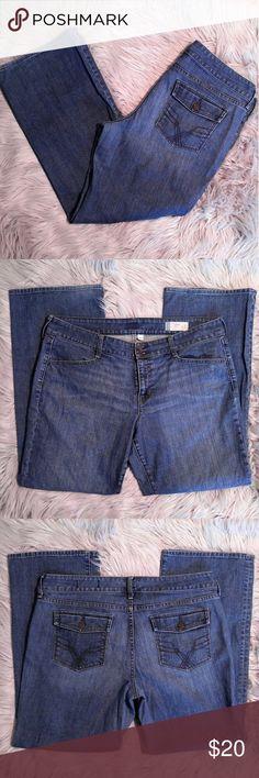 "GAP Curvy Fit Stretch Boot Jeans GAP Curvy Fit Stretch Boot Jeans Size 16R 30"" Inseam 19"" waist EUC GAP Jeans Boot Cut"