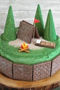 Nothing better than summer-camp memoriesexcept maybe this smores cake! Chocolate graham crackers make the tent and jelly beans make a fire; a chocolate bar sleeping bag completes the adorable scene. Camping Cakes, Camping Bedarf, Camping Parties, Camping Store, Camping Ideas, Outdoor Camping, Glamping, Dark Chocolate Cakes, Chocolate Cake Mixes