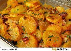 Creamy Potato and Chicken Casserole (video) - Tatyanas Everyday Food Pork Casserole, Creamy Chicken Casserole, Delicious Dinner Recipes, Yummy Food, Healthy Recipes, Tatyana's Everyday Food, Slovak Recipes, Yum Yum Chicken, Food 52