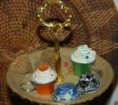 Cupcakes und Hüte aus Nespresso - Kapseln als Schlüsselanhänger