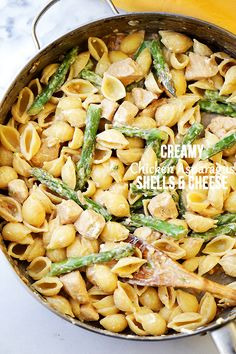 Creamy Chicken Asparagus Shells and Cheese Recipe - Lightened-up - 10 WW SP perfectly creamy homemade shells and cheese made with chicken, asparagus, cream cheese and feta. Easy Pasta Recipes, Easy Dinner Recipes, Chicken Recipes, Easy Meals, Cooking Recipes, Bulk Cooking, Dinner Ideas, Chicken Asparagus Pasta, Creamy Chicken