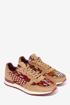 Naaz Leather Sneaker