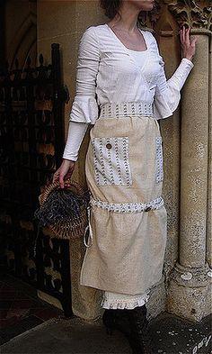 Malphi Rustic Chic Apron by SUSANNAH DASHWOOD, via Flickr  http://malphi.typepad.com