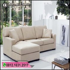 Glorious Sofa Yang Furniture And 62 Desain Ruang Tamu Sederhana Tanpa - rumah. Small Sectional Sofa, Lounge Sofa, Leather Sectional, Sofa Furniture, Modern Furniture, Furniture Design, Living Pequeños, Yellow Dining Room, Minimalist Sofa