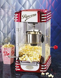 The Nostalgia Electrics Retro Series Kettle Popcorn Maker features tempered plastic windows, a stainless steel kettle with built-in stirring system. Pops up to 10 cups of popcorn per batch. Movie Theater Popcorn, Movie Theater Rooms, Home Theater, Theatre Rooms, 1950 Diner, Retro Diner, Machine Pop Corn, Popcorn Wie Im Kino, Kettle Popcorn