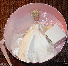 Tonner's 2004 Tiny Kitty Forever Yours Blonde hat box set is listed on Ebay as a Buy-It-Now.