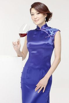 Blue Sleeve Qipao Dress ボタン 合わせの角度
