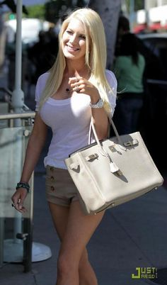 let's face it: Heidi Montag  is an excellent trendsetter. In spite of her nips and tucks, her special taste on designer handbags  never chan...