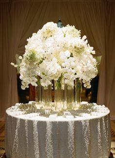 Wedding reception centerpiece idea; Floral Design: Tantawan Bloom
