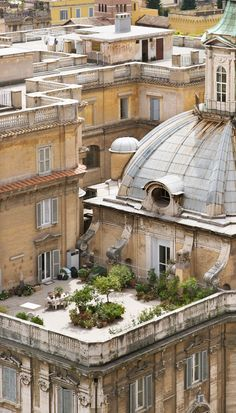 Italy Travel Inspiration - Rooftop garden in Rome