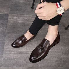 Cheap Formal Shoes, Buy Directly from China New Fashion Black Bottom Leather Gentleman Fashion Stress Shoes Men Business Driving Shoes Handmade Tassel Loafers Brown Leather Shoes, Leather Dress Shoes, Leather Men, Leather Tassel, Calf Leather, Soft Leather, Loafer Shoes, Loafers Men, Women's Shoes