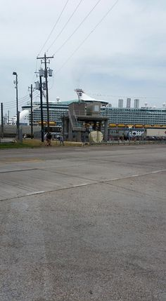 Cruise Parking in Galveston provides the comfort of registration at the terminal before parking their vehicle or they may decide to continue straightforwardly to the official Port of Galveston journey. You will be guided by Port Police to the closest authority Port of Galveston parking area.