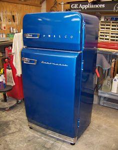 for Vintage & Retro Appliances 's 1956 Philco combination refrigerator/freezer rebuilt's 1956 Philco combination refrigerator/freezer rebuilt Fur Vintage, Retro Vintage, Deco Retro, Vintage Coke, Vintage Stuff, Vintage Fridge, Vintage Kitchen Decor, Vintage Decor, Vintage Ideas