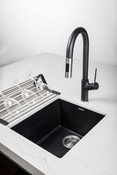 Ideas For Kitchen Sink Black Granite Hardware Black Granite Sink, Granite Kitchen Sinks, Modern Kitchen Sinks, Black Sink, Sink Taps, Kitchen Sink Faucets, Kitchen Fixtures, Eclectic Kitchen, Kitchen