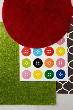 Button rug for sitting spots. Ikea classroom.