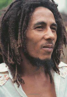 Robert Nesta Bob Marley Biography - Biographies Of World's Famous Personalities Bob Marley Biography, Pop Rock, Rock And Roll, Bob Marley Citation, Reggae Bob Marley, Bob Marley Pictures, Marley Family, Robert Nesta, Nesta Marley