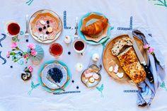 paas tafel ideeën- Paastafel - http://www.mylucie.com- easter table- flatlay- table setting