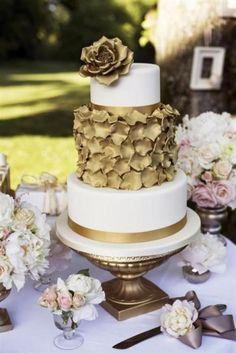 Gold petal cake. Wed