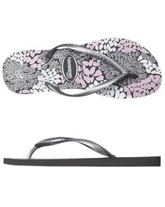 flip flops are my favorite shoe & summer is my favorite time of year :)
