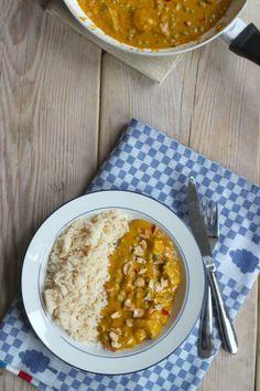 Kip-kerrie met doperwten en cashewnootjes - Lekker en Simpel
