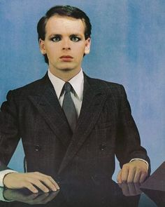 See Gary Numan pictures, photo shoots, and listen online to the latest music. 80s Music, Reggae Music, Rock Music, New Wave Music, The New Wave, Gary Numan, Hip Hop, Nostalgia, Pop Rock