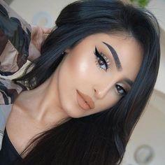 Gorgeous Makeup: Tips and Tricks With Eye Makeup and Eyeshadow – Makeup Design Ideas Glam Makeup, Eyeshadow Makeup, Hair Makeup, Makeup Brushes, Makeup Trends, Makeup Tips, Makeup Ideas, Makeup Products, Makeup Blog