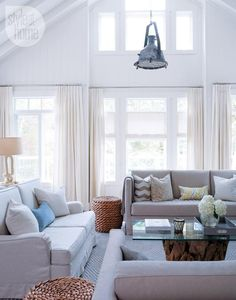 Cottage tour: Comfortable living room decor {PHOTO: Robin Stubbert}
