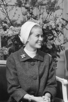 Grace Of Monaco In Paris With Her Mother In April 1962.