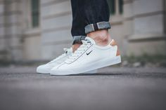 Nike has launched the iconic Match Classic low top sneaker in two new premium versions for Summer 2016. The sneaker comes with black and white premium leather uppers, featuring a small and subtle Swoosh branding on the side-panels, while the heels received a gorgeous tan leather patch with Brogue details. The two sneakers are now …
