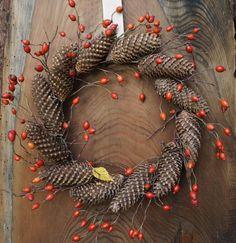 Prosty jesienny wianek. Materiały: рodstawa z gałązek,… na Stylowi.pl Christmas Wreaths, Xmas, Ladies Night, Winter Scenes, Holiday Decor, Diy, Crafts, Handmade, Church Decorations