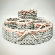The most beautiful Crochet basket and straw models Diy Crochet Basket, Crochet Bowl, Crochet Basket Pattern, Knit Basket, Crochet Gifts, Crochet Yarn, Crochet Stitches, Crochet Patterns, Braidless Crochet