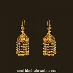 How To Choose The Perfect Pair Of Gold Diamond Earrings Gold Jhumka Earrings, Jewelry Design Earrings, Gold Earrings Designs, Gold Diamond Earrings, Pearl Drop Earrings, Diamond Jewelry, Gold Jewelry, Gold Designs, Earings Gold