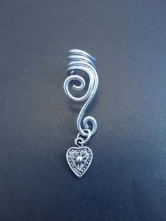 Double Spiral Ear cuff with heart in wire wrapped aluminium. (wire wrapping aluminum) Choose your color of aluminium..
