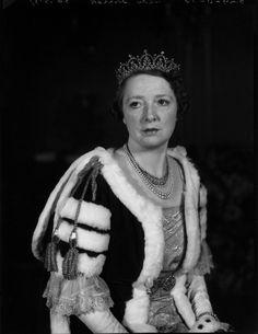 Rose Greville (née Bingham), Countess of Warwick