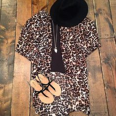 Cheetah print kimono!  Top($32). Kimono($38). Hat($38). Sandals($25). #frankieandjules #cheetah #weekendwear #weekend #kimono #sandals #hat #summerstyle #kcblogger #blogger #blog #boutique #ootd #shopsmall #shopkc #kansascity #kc #shoplocal #details #style #fashion #cute