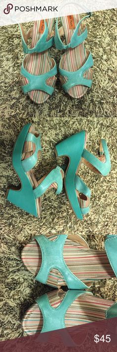 """Miz Mooz 'Panama' Mint shoes size 7 Miz Mooz 'Panama' turquoise/mint shoes. Used. Great condition. Very cute! Features Leather Imported Rubber sole Heel measures approximately 3.75"""" Platform measures approximately 1.25"""" Bold lines with finely-layered accents blend with practical comfort to make this sandal a perfect everyday fit. Miz Mooz Shoes Platforms"""