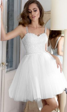Fashionable White A-Line Bead Homecoming Dresses With Lace