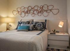 Marcenaria planejada traz soluções ao apê, sem obra Bedroom, Design, Sleep, Decor Ideas, Furniture, Home Decor, Decorative Lighting, Home Furnishings, Couple Room